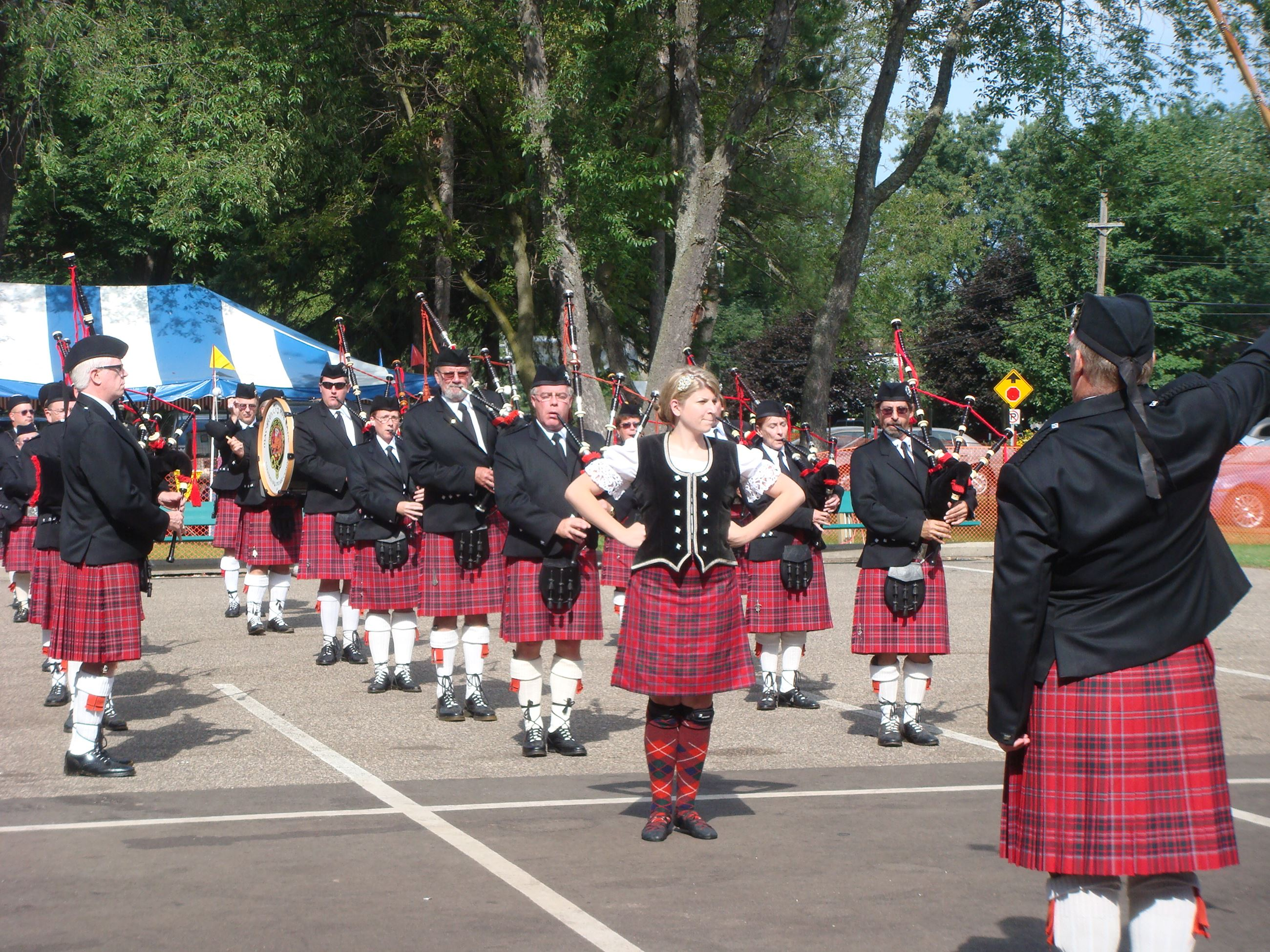 MacGillivray Pipe Band